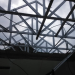 proses renovasi rangka atap baja ringan